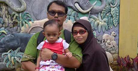 Breastfeeding Father: Ayah Menyusui?